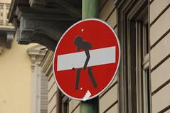 Divieto di... (Alessio Rodin) Tags: torino cartello lavoro divieto pesi