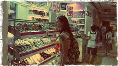@anitakost прощается с огромными развалами няшной обуви в Бангкоке)