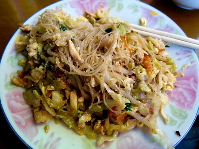 Ja Zan Gyaw (Fried Vermicelli Noodles)
