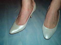 pas75nacchaf (grandmacaon) Tags: pumps highheels stilettos talonsaiguille escarpins classicpumps sexyheels hautstalons