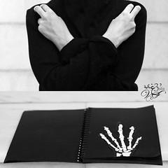 لغة الاشارة..sign language #12 ( غ ــآلـيـۃ) Tags: