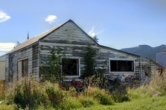 Old house, Milburn, Otago, New Zealand (brian nz) Tags: old newzealand house building abandoned home rural decay cottage otago aged derelict dilapidated deterioration whare milburn oldandbeautiful oncewashome