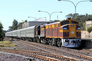 4306 4520 6L66 St James Charter Port Augusta Station 27 04 2013