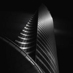 ,/| (AO-photos) Tags: light blackandwhite architecture dark noiretblanc ladéfense
