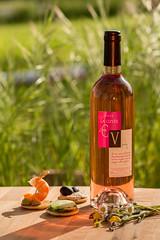 PPP_3294 (Miskov Jennyfer) Tags: packshot vin ros bouteille naturemorte styliris jennyfermiskov