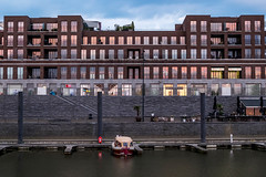 The boat is waiting (ThanosPal) Tags: water netherlands architecture river lights evening boat promenade maas
