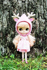 Mallow in a pink deer hat (maidensuit) Tags: pink house hat doll crochet helmet deer coco blythe collette pinku