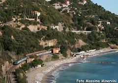 Regio a Ponente (Massimo Minervini) Tags: panorama beach water train mare liguria rail ti railroads trenitalia ferrovia treni alassio regionale savona marligure e464 canon400d lineagenovaventimiglia e464ti