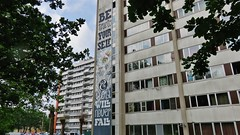 Locatelli & Mr. Leenknecht / Nieuw Gent - 26 mei 2016 (Ferdinand 'Ferre' Feys) Tags: streetart graffiti belgium belgique belgi urbanart graff ghent gent gand graffitiart artdelarue locatelli urbanarte mrleenknecht