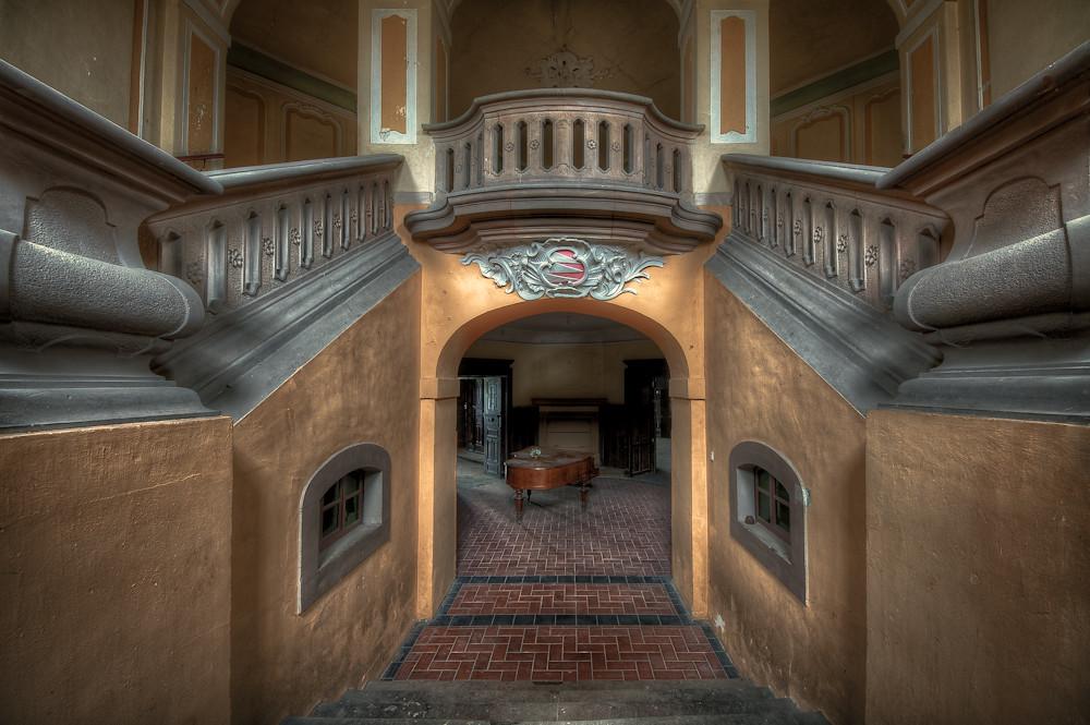 Das Klavier bleibt unten