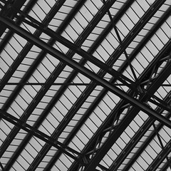 Chord of souls (martinfowlie) Tags: roof london station metal architecture eurostar victorian crosses ceiling poles stpancras girders windowpanes
