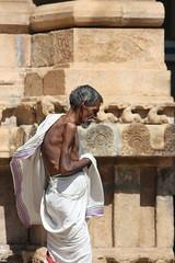 Trichy, Sri Ranganathaswamy Temple, pilgrim (Arian Zwegers) Tags: india tower temple vishnu oldman kaveri tamilnadu pilgrim hindutemple trichy srirangam dravidian gopuram tiruchi 2011 cauvery gopura ranganatha ranganathaswamy trichinopoly kaveririver tiruchirappalli cauveryriver sriranganathaswamy sriranganathaswamytemple srirangamtemple dravidianarchitecture divyadesams thiruvarangam