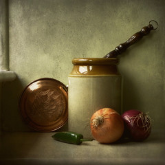 Still Life with Onions and Green Chilli (vesna1962) Tags: stilllife home onions explore textures pot chilli homeshots artistictreasurechest magicunicornverybest magicunicornmasterpiece stilllifephotoart decorativeoldbedwarmer