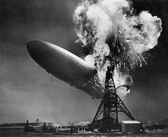 Zeppelin-ramp de Hindenburg / Hindenburg zeppelin disaster (Nationaal Archief) Tags: aircraft aviation explosion zeppelin airship hindenburg dirigible lakehurst lighterthanair luftschiff fatalcrash dzr mooringmast dlz129 lakehurstnavalairstation lakehurstnas lz129 deutschezeppelinreederei luftschiffbauzeppelin deutscheluftschiffahrtsaktiengesellschaft delag zeppelinlz129 lz129hindenburg luftschifflz129