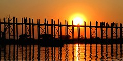 Myanmar - Febbraio 2012 (anton.it) Tags: sunset reflection tramonto burma ponte monks myanmar sole riflessi tek viaggio luce vacanza bellezza amarapura ubein wow1 wow2 monaci birmania scoperta canong10 photodigitale platinumpeaceaward bestcapturesaoi antonit flickrstruereflection1 flickrstruereflection2 flickrstruereflection3