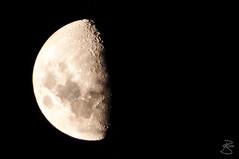 Waxing Moon (medXtreme) Tags: moon mond nightshot australia tasmania australien tassie nachtaufnahme waxingmoon tasmanien commonwealthofaustralia vandiemensland zunehmendermond littleswanport australienkontinent gumleavesbushholidays lutriwita