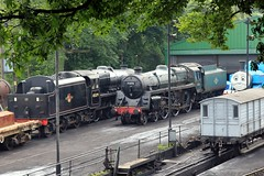 A pair of 5s (jalapenokitten) Tags: unitedkingdom railway hampshire steam locomotive gbr ropley midhantsrailway 45379 class5mt 73096
