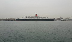 QE2 Port Rashid March 2016 (Louis De Sousa) Tags: world port dock dubai dry dp legend cunard qe2 rashid nakheel