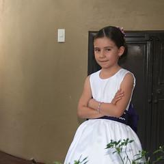 """Tímido coqueteo (o """"La Pequeña Mona Lisa"""" (Brujo+) Tags: girl smile niña sonrisa misteriosa"""