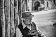 Ricordi (gioturco) Tags: portrait bw white black monocromo bn e bianco ritratto nero allaperto monocromatico