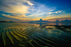 IMG_3466 ~ seascapes of balok beach (achem74) Tags: trip travel beach sunrise canon eos coast seascapes wideangle places malaysia kuantan pahang canonlens beserah balok canoneos700d eos700d 10mm18mm