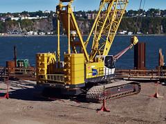 Grue sur Chenilles - Crawler Crane (Nicober!!!) Tags: canada coast dock construction quebec crane guard equipment material heavy quai garde grue chenille crawler canadienne canadain lourd matriel cotiere