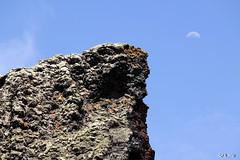 tensione by QFS_mlp (QueenFaeeStudio) Tags: moon verde rock canon landscape island lava spain lanzarote canarias luna ombre caldera luci curve della terra roccia rosso montagna nero paesaggio vulcano spagna collina oceano sabbia atlantico contrasti canarie allaperto formazione pendici versante rocciosa laisladeldragon