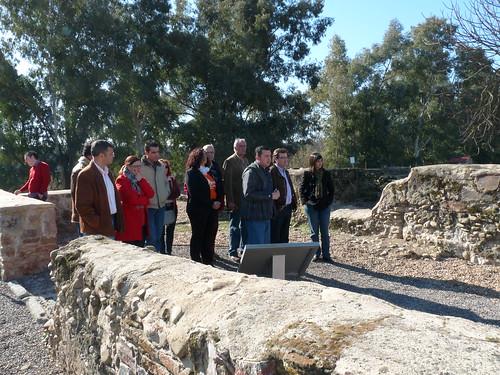 "Fertnández Vara visita la Villa Romana ""Torre Aguila"" de Barbaño"