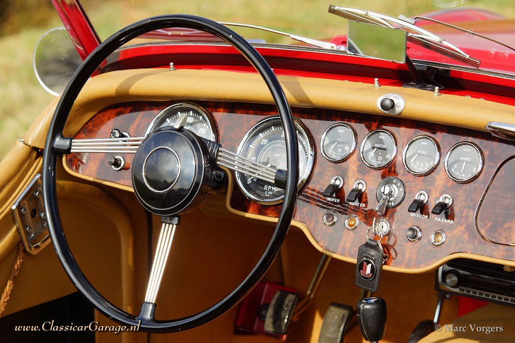 The world 39 s newest photos of beige and triumph flickr for Interieur 1960