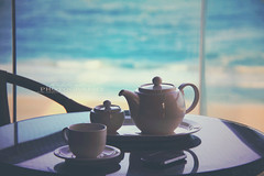 [36-365] Tea time ! (AbdullaAldosari.) Tags: sea by dubai all blackberry time rights reserved 9900 cupoftea jbr aldosari abdullaaldosari