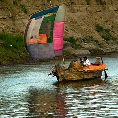 Patchwork sail (Tati@) Tags: travel people boat sailing myanmar irrawaddyriver mygearandme mygearandmepremium mygearandmebronze mygearandmesilver mygearandmegold mygearandmeplatinum mygearandmediamond ringexcellence rememberthatmomentlevel1 rememberthatmomentlevel2 rememberthatmomentlevel3
