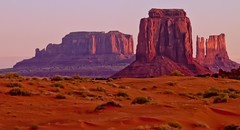 early morning light Monument Valley (Marvin Bredel) Tags: arizona nature landscape utah rocks desert indian nativeamerican navajo redrock monumentvalley fourcorners americanindian oldwest americansouthwest coloradoplateau nativeamerica marvinbredel