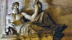 vi presento il Sig. Tevere (Photonico's [nico_onida]) Tags: light italy rome roma night canon ruins centre nocturne eos550d