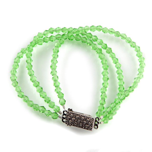 Green Czech glass beaded bracelet with vintage silver-plated clasp