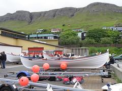 Wooden Rowing Boats in the Harbour of Tvøroyri, Faroe Islands (Eileen Sandá) Tags: people june festival juni boat ship harbour rowing faroeislands boatrace faroes 2011 rowingboats skthans føroyar færøerne buoyant suðuroy foroyar kappróður suduroy tvoroyri tvøroyri jóansøka joansoka eileensandá havnalagið faorese jóansøku