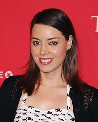 Aubrey Plaza Deals With Bedbugs