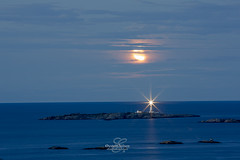Månelyst fyr (Øystein E. Nilsen) Tags: arendal fevik storetorungen måneoppgang trollefjell