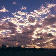 Gold Coast / Australia (haphopper) Tags: sunset sky cloud sun me nature sunshine evening cloudy dusk australia qld queensland iphone goldcoast 2014 ool