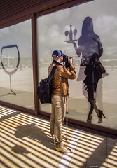 Unha copia? (juandelux) Tags: espaa reflex corua europa silueta copas fotografo ivitacin