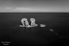 Urro El Manzano (Javier Colmenero) Tags: longexposure sea landscape mar blackwhite nikon paisaje cantabria largaexposicin liencres sigma1020 marcantabrico cantabriansea nikond3100 urroelmanzano filtrohaida
