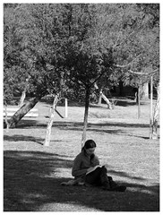 Day 1: Lonely Reader ( leonidacxs) Tags: people project pessoas europe faces caras 365 366 366project