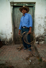 Vaqueiro do Pantanal / Pantanal Cowboy (Samuel Betkowski) Tags: ranch brazil horse leather brasil photo cowboy foto photograph fotografia cavalo matogrosso pantanal fazenda lasso lao vaqueiro couro pantaneiro pantanalcowboy cavalopantaneiro