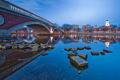 Blue Hour at Harvard University (chris lazzery) Tags: longexposure cambridge boston twilight massachusetts bluehour harvarduniversity allston circularpolarizer canonef1740mmf4l johnwweeksbridge 5dmarkii