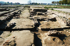 P1040376 RED RET (Trujinauer) Tags: alcaladehenares arqueologia decumano decumanus tabernae complutum