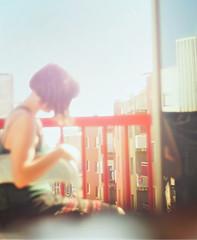 Los jueves al sol (Marc Ambros) Tags: color sol me girl de colorado cuento este jueves prop terraza encanto calor sigue colorin solete gustando