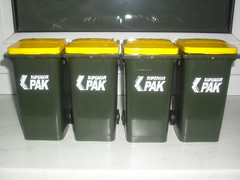 superiorpak mini bins (MegaCanfan) Tags: mobile 1 first super bin 2nd collection series waste cart generation kom sulo containers pak mgb ior mfb garbige ksb
