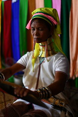 long neck woman at Inle-lake, Burma (NastyNinja) Tags: africa color colour canon neck 50mm gold crazy asia long mark burma iii ring ii l 5d myanmar 12 tradition frau custom throat birma lang markii hals langhals