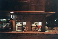 Lights & snow [Bologna] (akio.takemoto) Tags: snow colour film colore neve bologna nikkor50mmf18 nikonfe fujicolor 800iso pellicola superiaxtra carusi