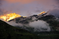 Clearing Clouds (Maulindu Chatterjee) Tags: travel sunset mountain golden himalaya leh ladakh rohtang keylong susk