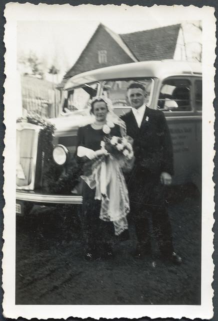 dreba hochzeit hochzeitskleid brautstraus anzug kleidung outfit magirusdeutz justmarried thuringia collectionhansmichaeltappen 1930er 1930s